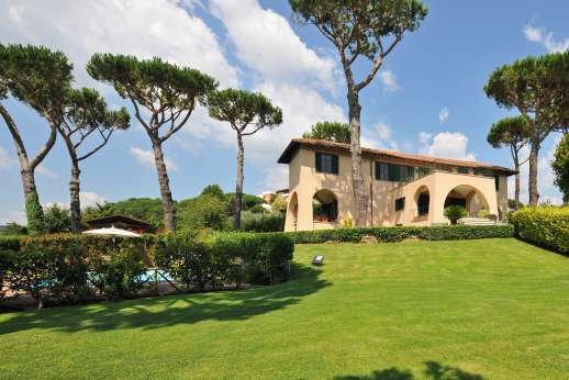 Villa delle Lance - Villa delle Lance, pretty garden and just a walk to shops.