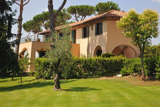 Villa delle Lance - The villa was built by a famous Italian architect of the 1950s, includes open loggias and west-facing terraces that capture the breezes and wonderful views
