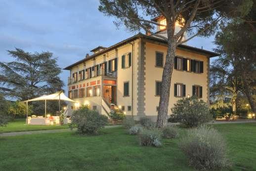 Villa di Bagnolo - Villa di Bagnolo, Impruneta. Florence and its hills. Tuscany.