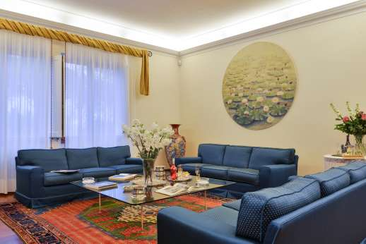 Villa di Bagnolo - Large sitting room with open fireplace.