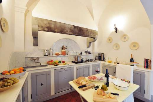 Villa Di Masseto - The well equipped kitchen.
