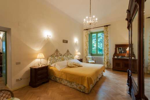 Villa di Pile - One of the double bedrooms convertible to twin.