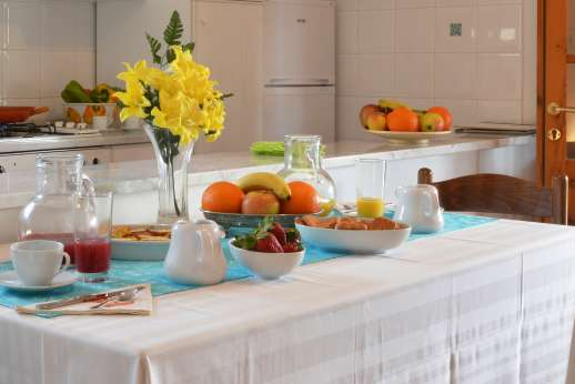 Villa Doveri - Set on a terrace in the olive grove just below the villa, the charming guest house with kitchenette.