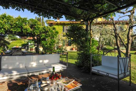 Villa Giotto - Loggia with seating positioned with inspiring views.