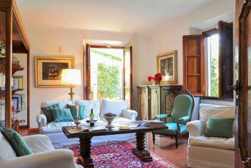 Villa Giotto - The ground floor sitting room.