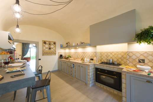 Villa Le Botti - A well equipped kitchen.