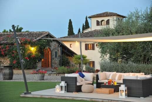 Villa Le Botti - Villa Le Botti lit in the evening