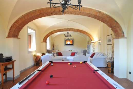 Villa Le Botti - Billiards table in the living room