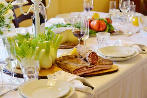 Villa Le Botti - Sample the amazing Tuscan food!
