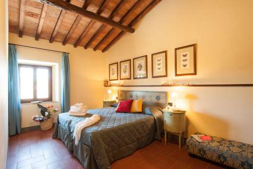 Villa Le Botti - Another of the bright bedrooms.