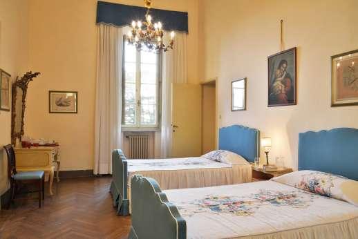 Villa Lungomonte - Second floor twin bedroom.