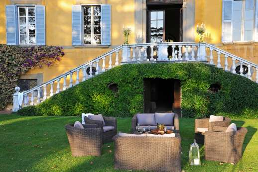 Weddings at Villa Lungomonte - Perfect position for the wedding photos.