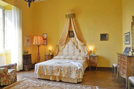 Weddings at Villa Lungomonte - One of the double bedrooms.