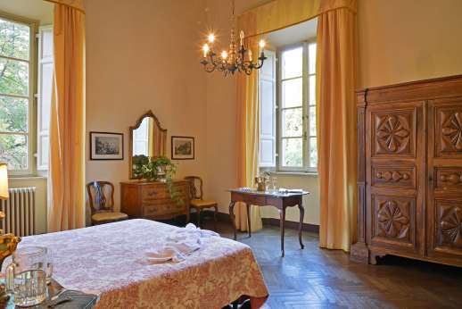 Weddings at Villa Lungomonte - Spacious bedrooms.