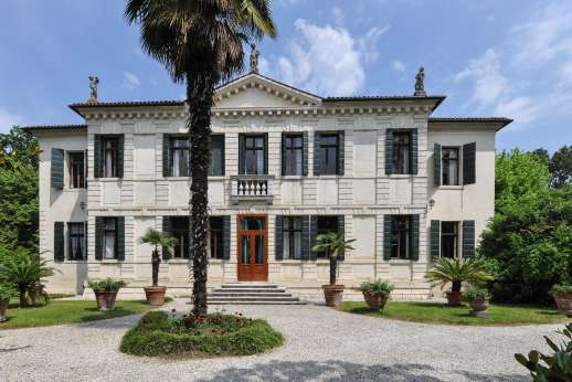 Villa Michiel - The Villa Michiel was built in the 17th century as a country retreat for an important Venetian family.