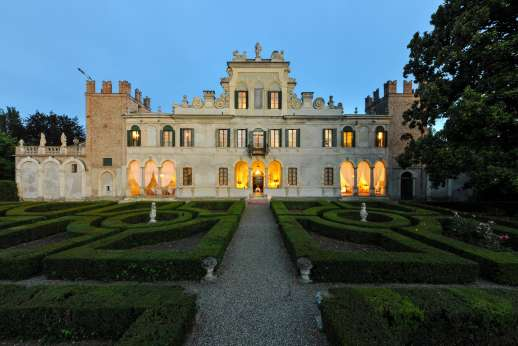 Weddings at Villa Zambonina - View of Villa Zambonina from the Italian Gardens.