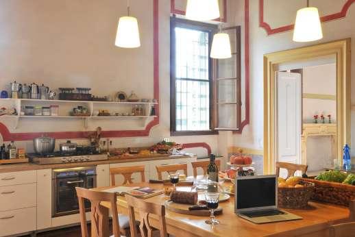 Weddings at Villa Zambonina - Spacious and well-equipped kitchen.