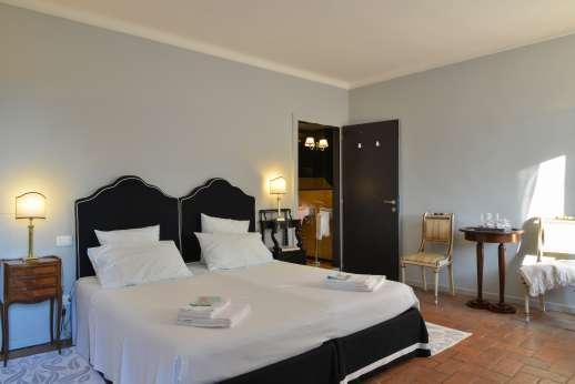 Weddings at Villa Zambonina - First floor double bedroom