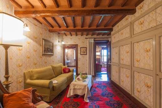 Visentium - Fist floor sitting room that serves a double bedroom and private en suite bathroom.