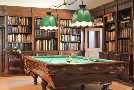 Visentium - The billiards room.