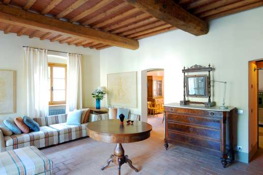 The Hamlet Casamora - Il Noce Casamora - Large sitting room.