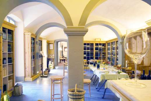 Villa La Leccina Casamora - View into the dining area.