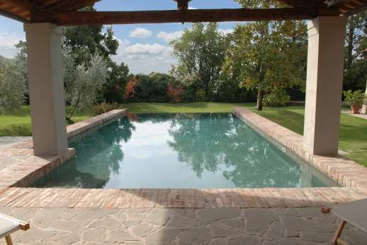 Villa Le Magnolie Casamora - The 5.7 X 11.5m private swimming pool.