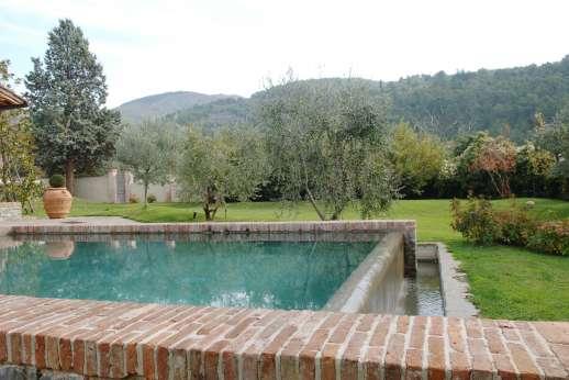 Villa Le Magnolie Casamora - Views of the Pratomagno Mountains.
