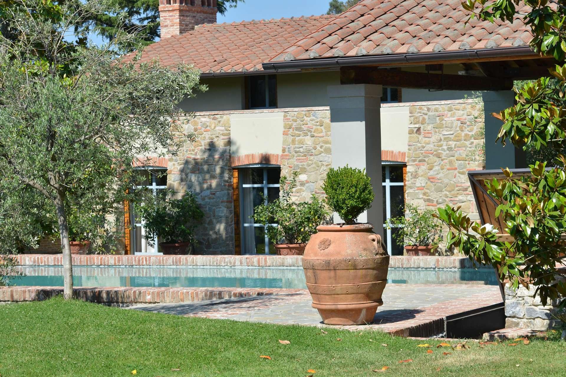 Villa Le Magnolie Casamora | 4 Bed Luxury Villa with Pool | Florence