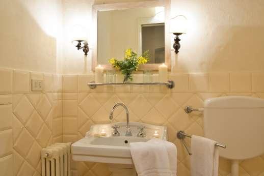 Gugliaie - En suite bathroom
