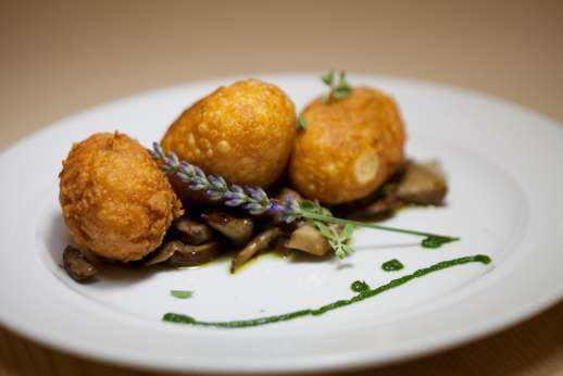 Gugliaie (x 14 people) with Staff and Cook - Like the italian traditional arancini
