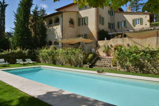 Villa Dasya - Villa Dasya, set on the edge of the medieval village of Lari, west of Florence near the Tuscan Coast.
