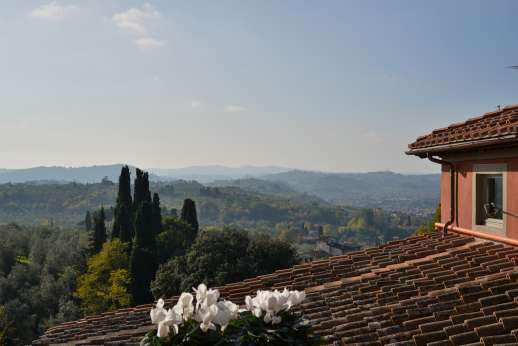 Villa Olmetto - The rolling hills of Tuscany