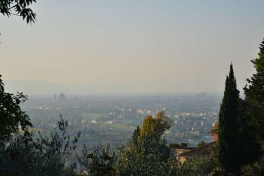 Villa Olmetto -  Florence city centre can be easily reached by bus, about 8km/5 miles,