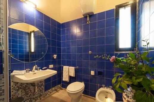 Villa Olmetto - Bathroom