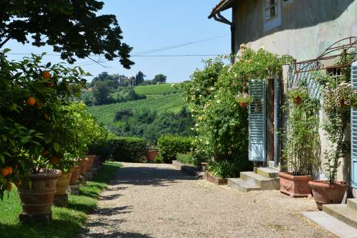 The Estate of Casa Vecchia - The house overlooks the farms and cultivated fields which cover the hilly countryside between Florence and Siena.