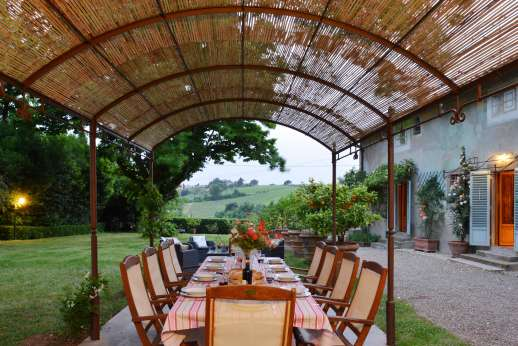 The Estate of Casa Vecchia - Outside dining were you can have your meals under the stars