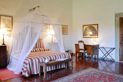 The Estate of Casa Vecchia - Double bedroom with en suite bathroom.