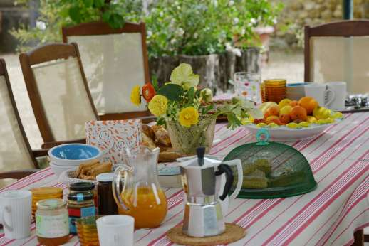 The Estate of Casa Vecchia - Enjoy the delights of Italian cuisine.