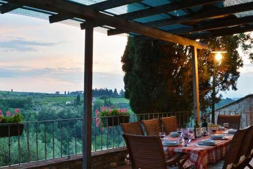 The Estate of Casa Vecchia - Dine al fresco overlooking the Chianti countryside.