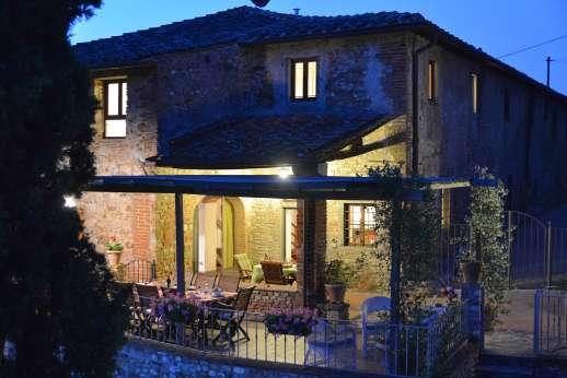 The Estate of Casa Vecchia - Enjoy the summer evenings dining al fresco on the covered terrace.