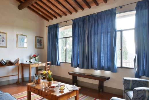The Estate of Casa Vecchia - Living room, first floor with views of the countryside.