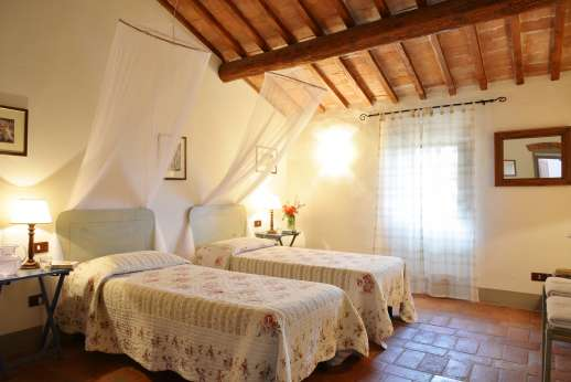 The Estate of Casa Vecchia - Twin bedroom on the first floor.