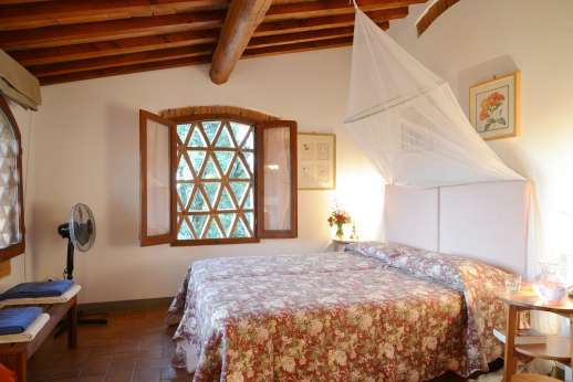 The Estate of Casa Vecchia - Double bedroom on the first floor with en suite bathroom with shower.