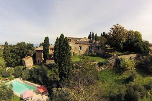 The Estate of Casa Vecchia - Small Renaissance hamlet within a private estate