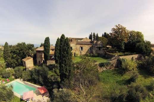 The Estate of Casa Vecchia - Small Renaissance hamlet within a private estate