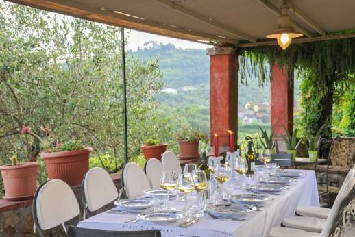 Villa le Cipressae - The loggia also enjoys magnificent views