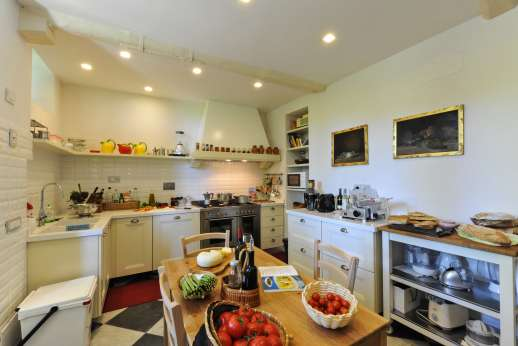 Villa le Cipressae - Well equipped kitchen