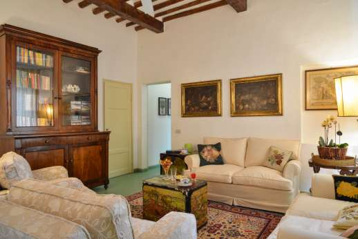 Villa le Cipressae - Second floor sitting room