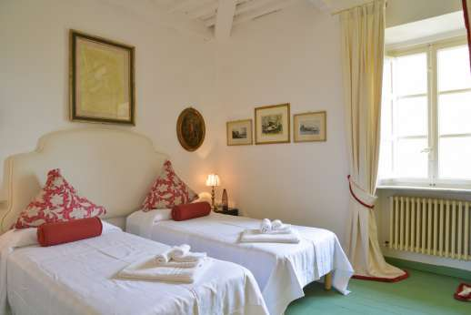 Villa le Cipressae - Air conditioned twin bedroom